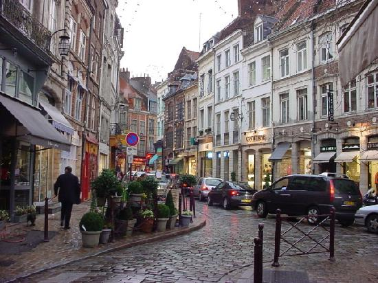 Serafina Loggia, Lille, Francia