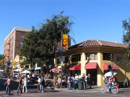 VIVERE AD OAKLAND, California