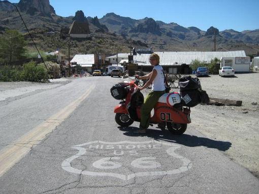 Tour del Mondo in Vespa 50 special
