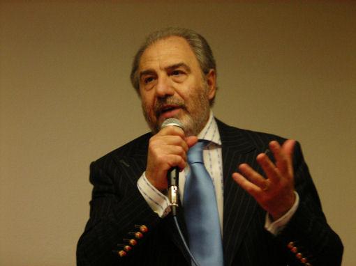 Antonio Caprarica politica