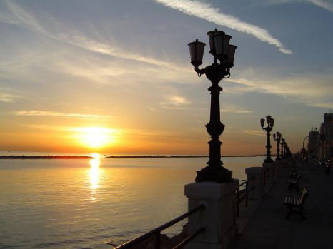 Tramonto a Bari