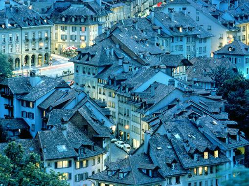 Tetti di Berna in Svizzere  lasciare l'italia