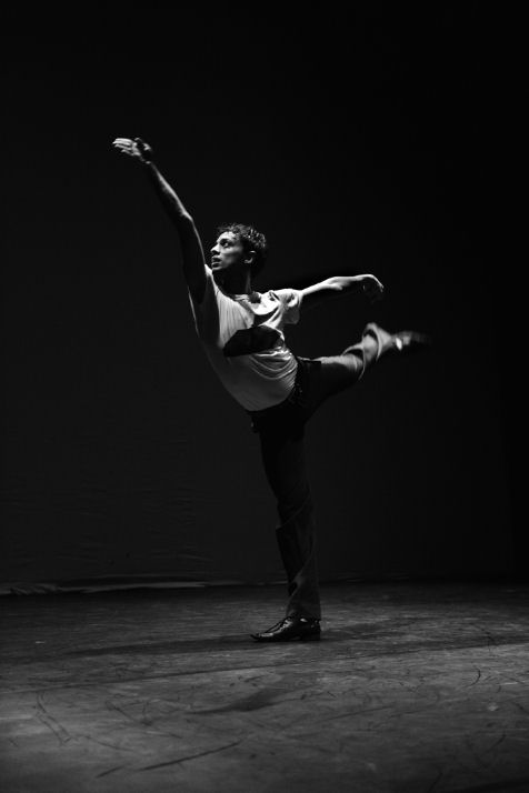 PAOLO MANGIOLA DANCER  danza