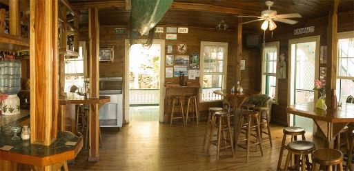 Bar e locali ad Utila Honduras