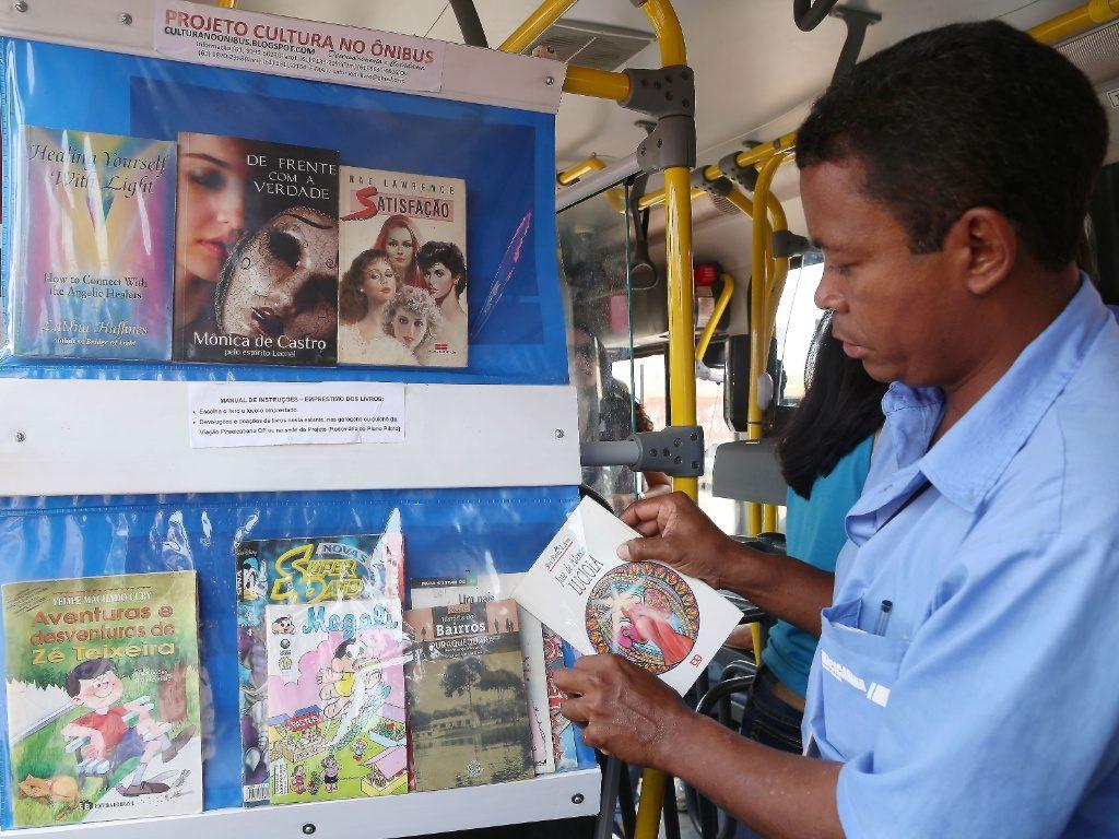 libri e bus in brasile