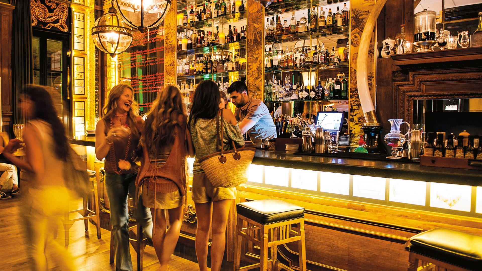 Via Libera Alla Musica Dal Vivo Nei Bar E Locali Di Barcellona