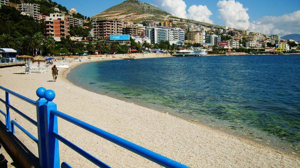andare a vivere in albania