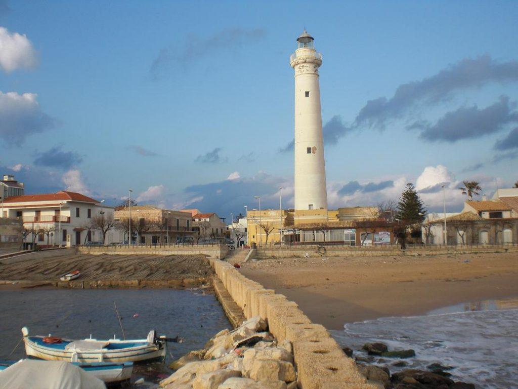 Fari e torri, 20 tesori italiani da trasformare in dimore turistiche