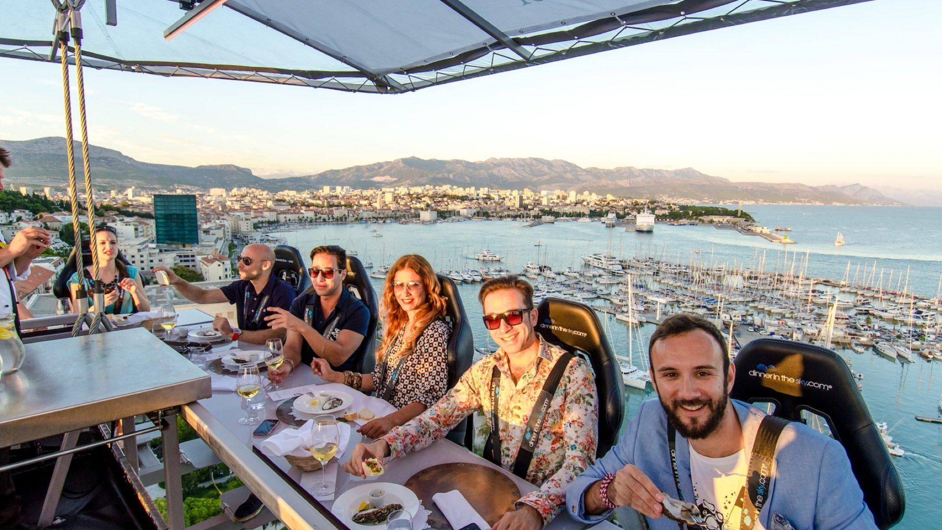Dinner in the Sky: mangiare sospesi sul cielo di Roma