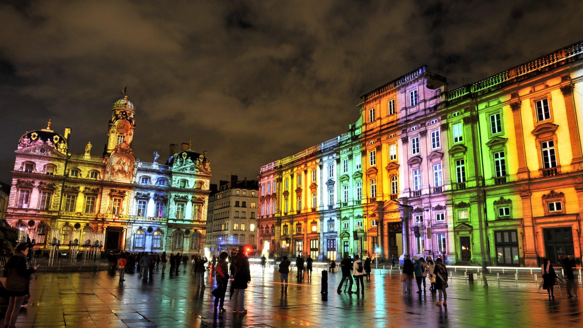 Lione risplende per la Fête des Lumières, dall'8 al 10 dicembre tre notti di luci e spettacoli