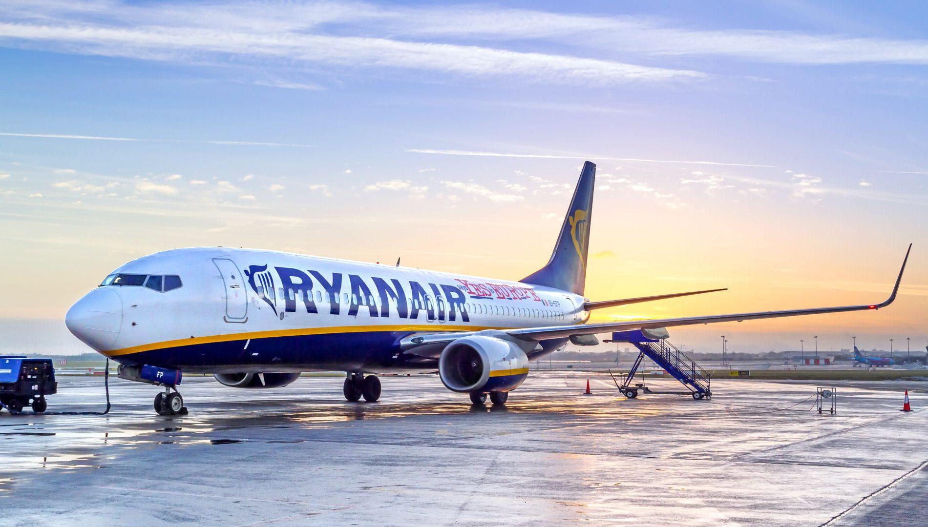 Volare a soli 9,99 euro, Ryanair lancia la Cyber Week: tante offerte in 8 giorni