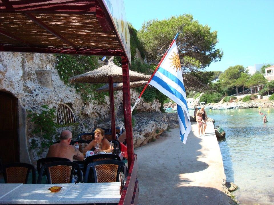 bar sulla spiaggia a minorca - chiringuito