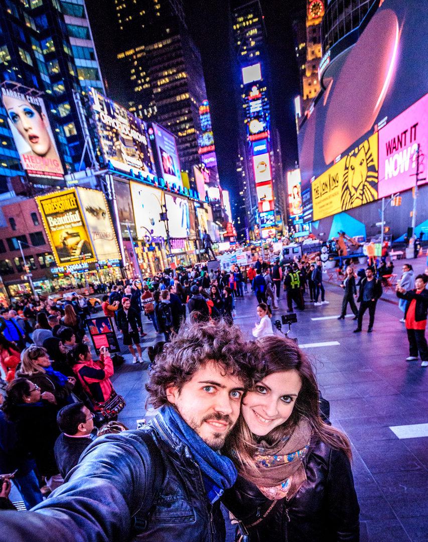 """Eleonora e Damiano e il loro blog di viaggi """"la via delle scimmie"""""""