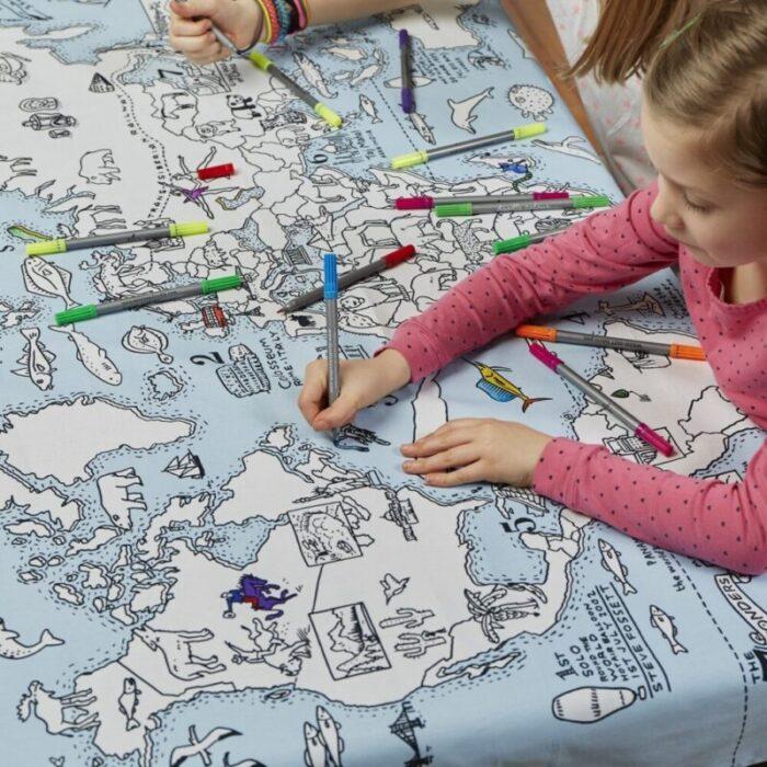 tovaglia con la mappa del mondo da colorare - regali per bambini viaggiatori