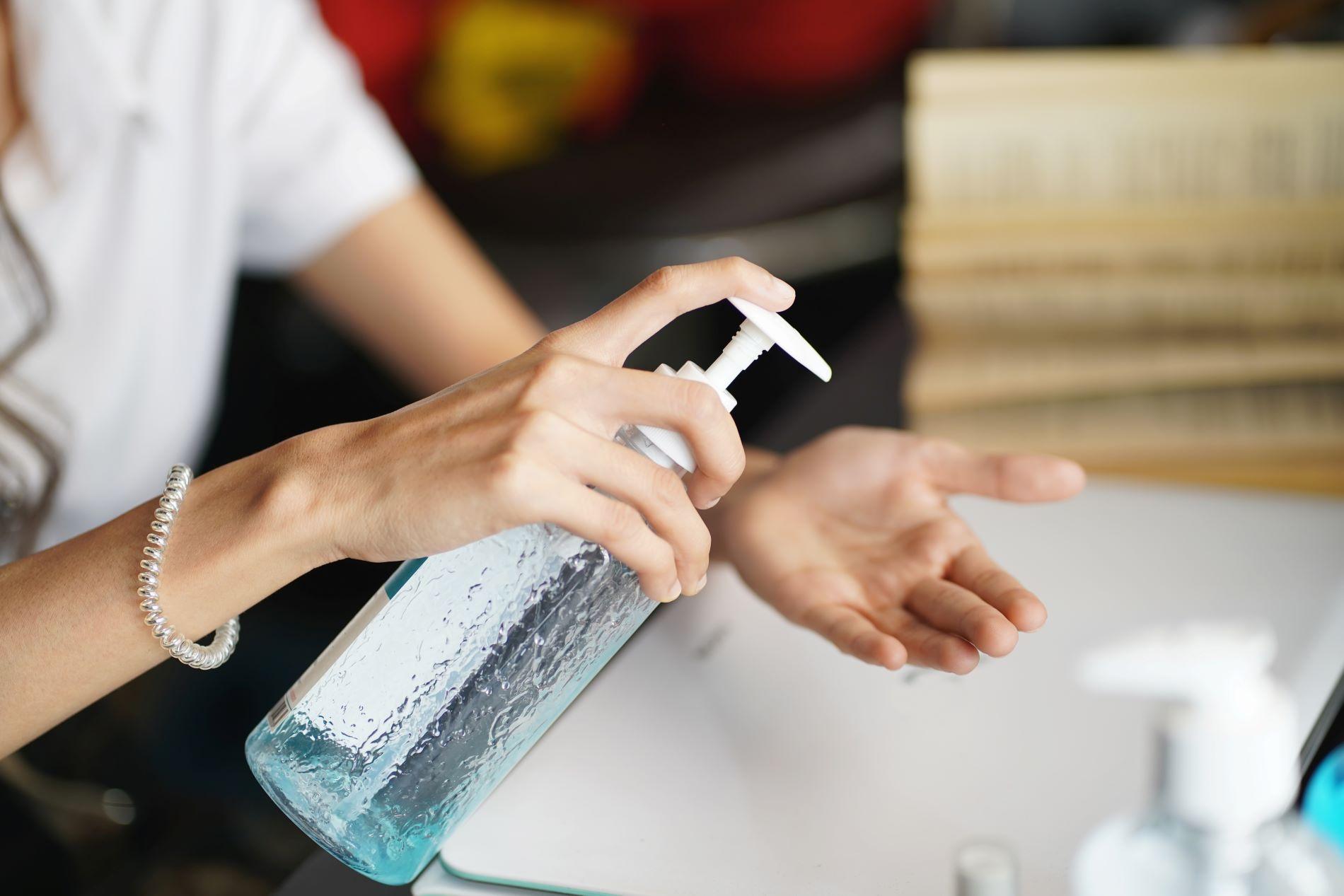 igienizzarsi le mani