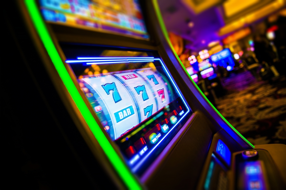 """Slot machine: la storia delle """"macchine mangiasoldi"""""""
