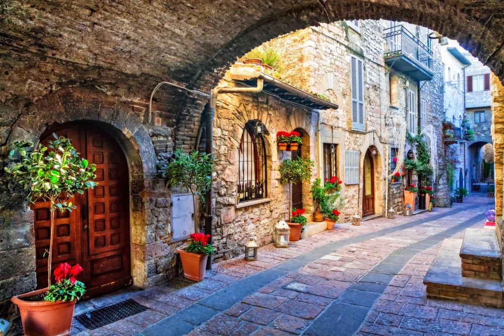 vivere con poco italia umbria