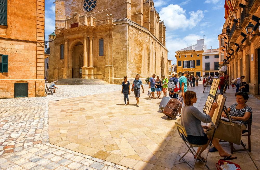aumentano spagnoli e stranieri residenti a Minorca