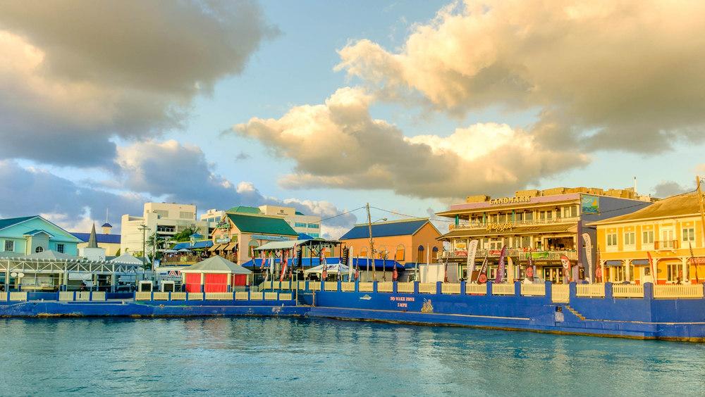 lavorare alle isole cayman