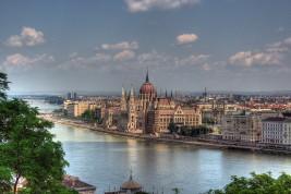 trasferirsi a lavorare a Budapest