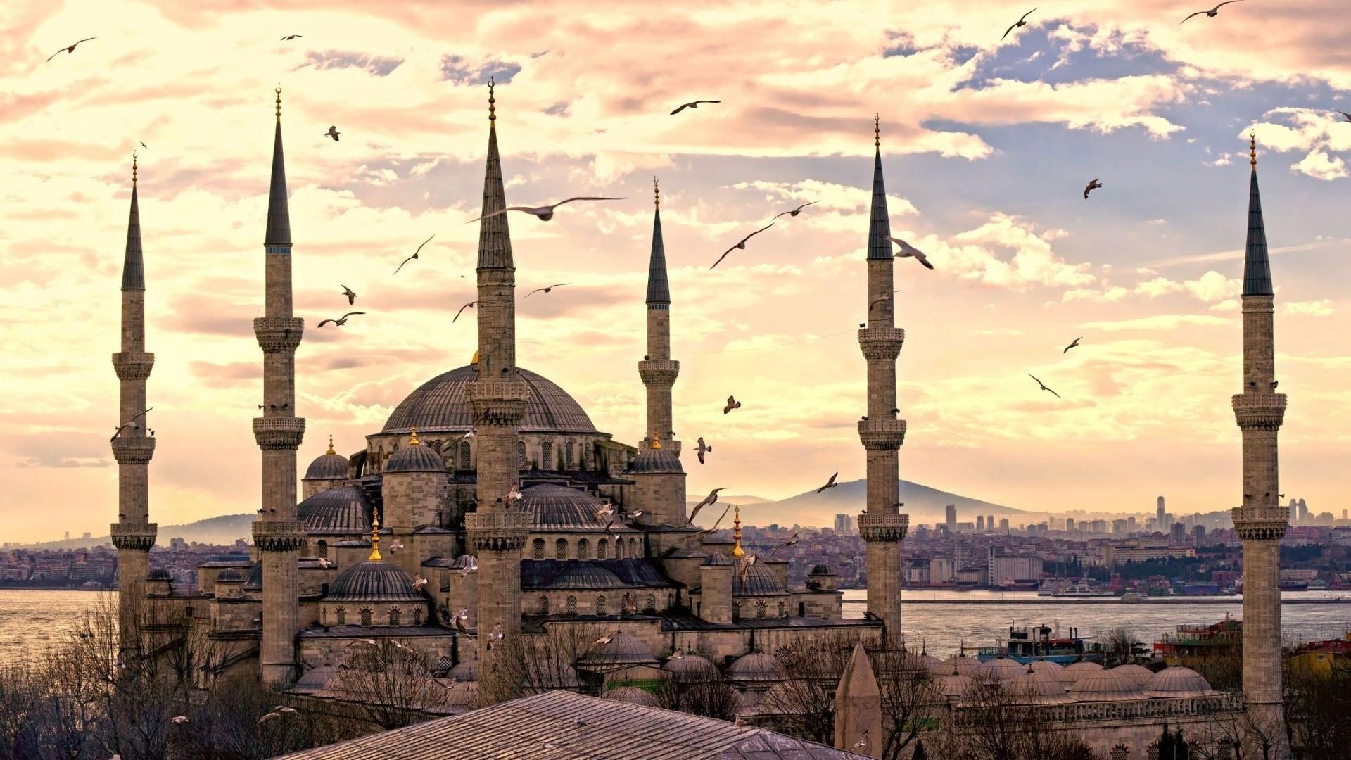 Risultati immagini per istanbul