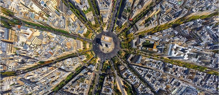 trasferirsi a vivere e lavorare a Parigi