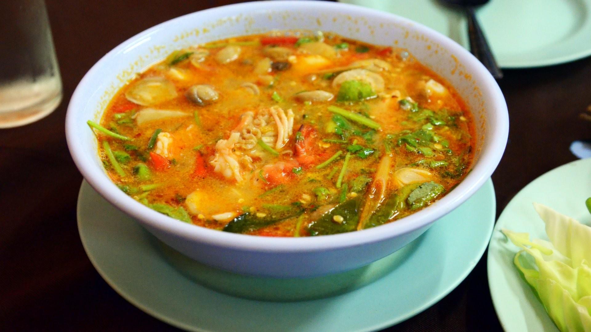 zuppa thailandese