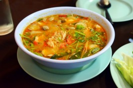Thailandia: ricetta della Zuppa Tom Yam Vegan